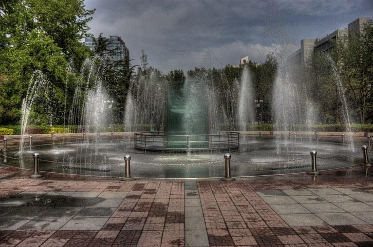 Beijing Institute of Technology - Fountains (retocada)_resized.jpg