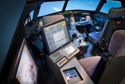 Cabina 2 Sim A320 con posición Instructor Indrapp.jpg